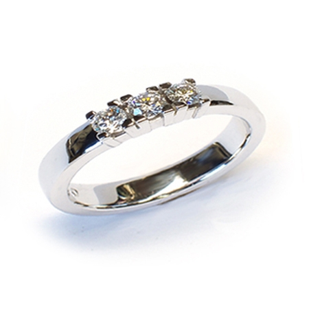 Alliansering modell Paris med 3 x 0,10carat diamanter