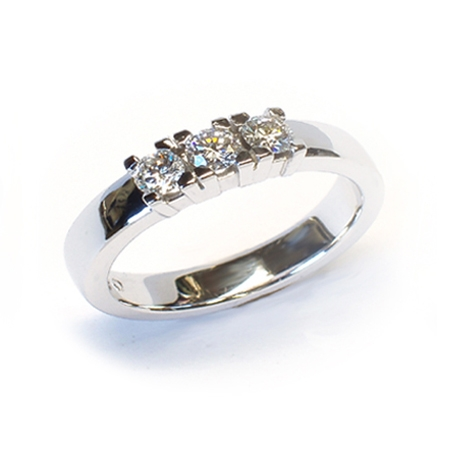 Alliansering modell Paris med 3x 0,15carat diamanter