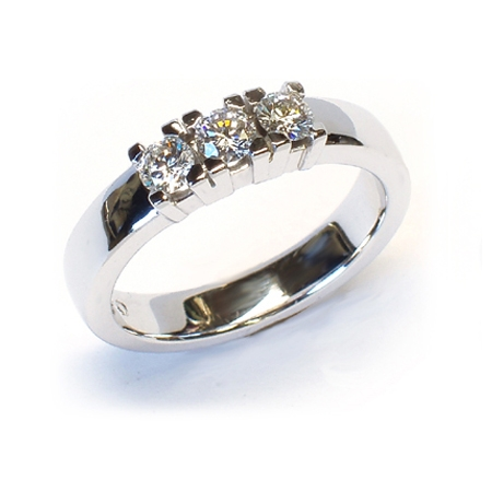 Alliansering modell Paris med 3 x 0,20carat diamanter